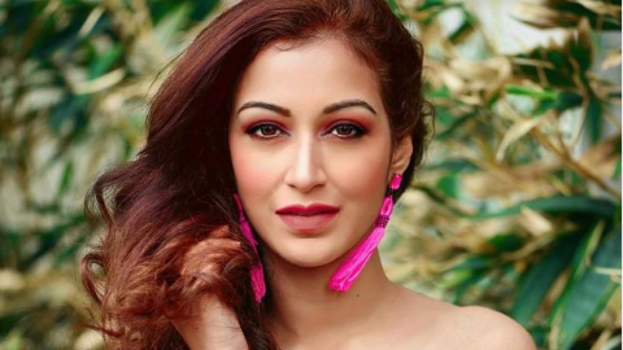 Sunayana-Fozdar-reveals-her-fashionista-side