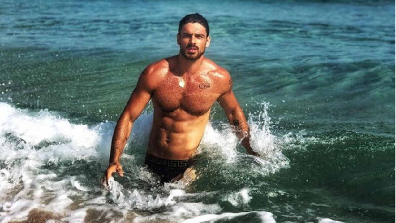 THE-ITALIAN-ACTOR-MICHELE-MORRONE-PREPARES-TO-WORK-IN-BOLLYWOOD
