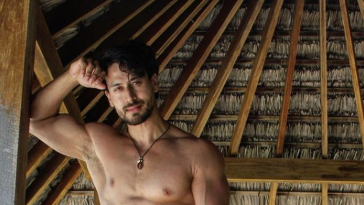 TIGER-SHROFF-TALKS-ABOUT-WHEN-HIS-FAMILY-LOST-EVERYTHING