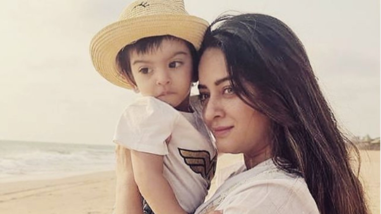 TV-STARS-WHO-TOOK-A-BREAK-IN-THEIR-CAREER-TO-BECOME-MOTHERS