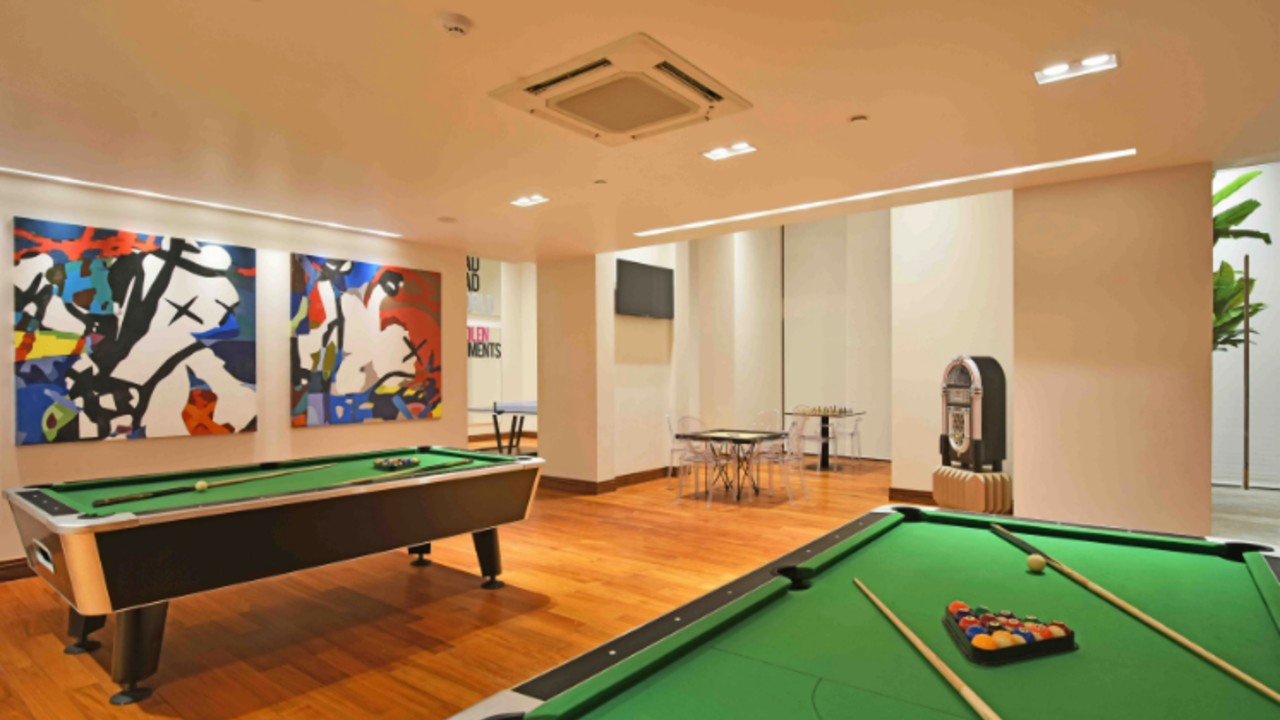 The-New-and-Luxurious-Shroff-Home