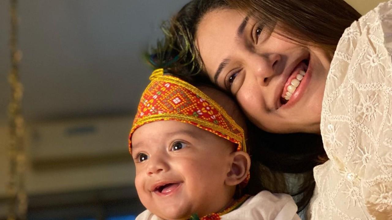 Addite-Malik-Is-in-Love-With-Her-Baby-Boy-Ekbir
