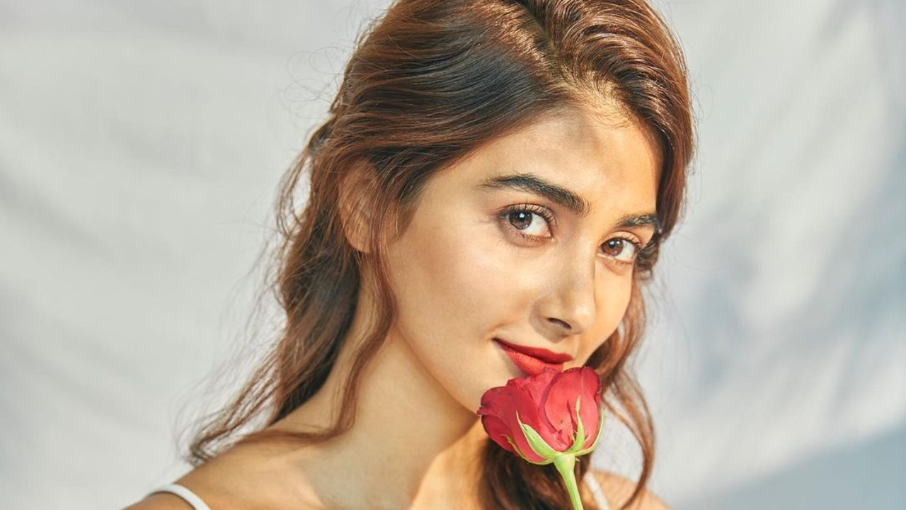 5-Upcoming-Movies-Prove-That-Pooja-Hedge-Is-an-Emerging-Lady-Superstar