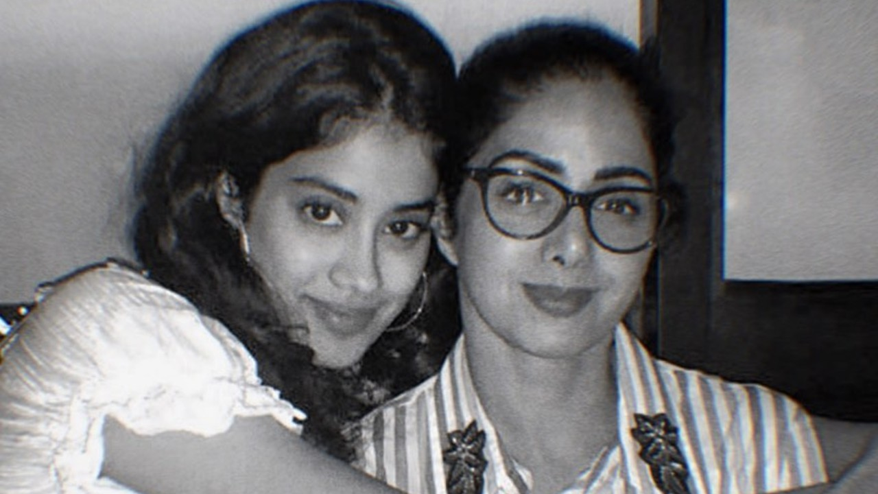 Janhvi-Kapoor-Gets-a-Tattoo-Dedicated-to-Her-Later-Mother