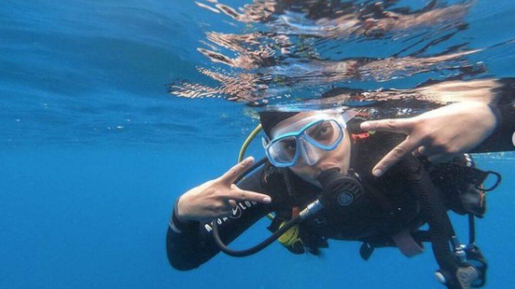 Priyanka-Chopra-Went-Scuba-Diving-in-Spain